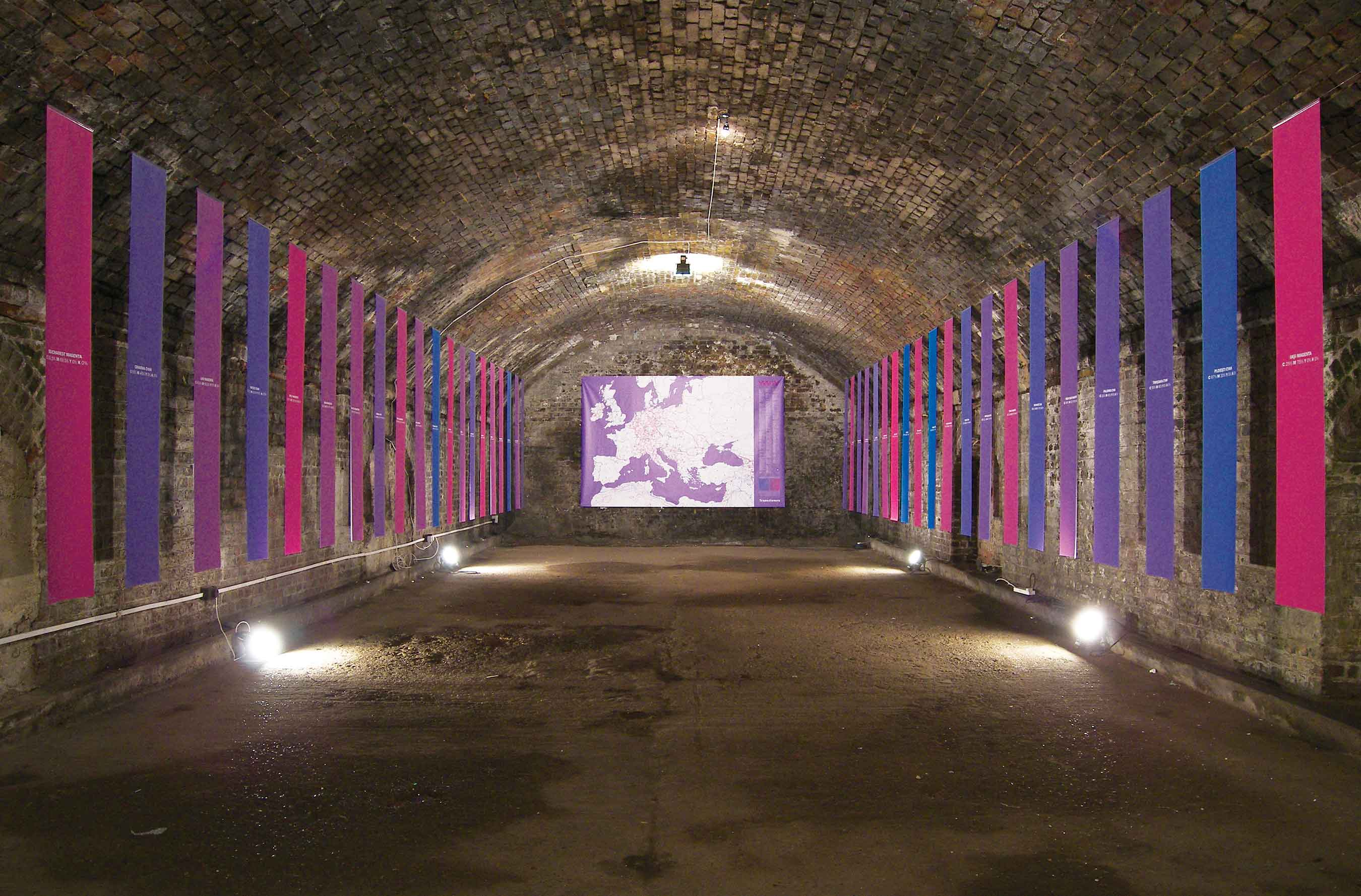 Société Réaliste, Transitioners: London View, 2009, digital prints. Installation view, Hold & Freight, London, 2009. © Société Réaliste. Photo: Société Réaliste.