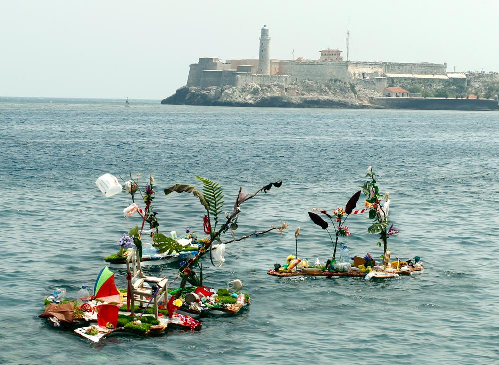 Florencio Gelabert, Islas (Islands), 2012, site-specific installation.