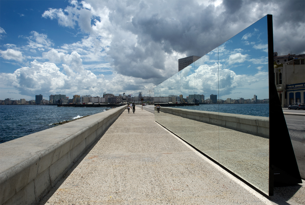 "Rachel Valdés-Camejo, Felices para siempre (Happily Ever After), 2012, mirror plates, steel structure, gravel sacks, black acrylic plates, 52' 5"" x 9' 84"" x 3' 28"". Installation view at the 11th Havana Biennial. Courtesy of the artist and Cuban Arts Projects."