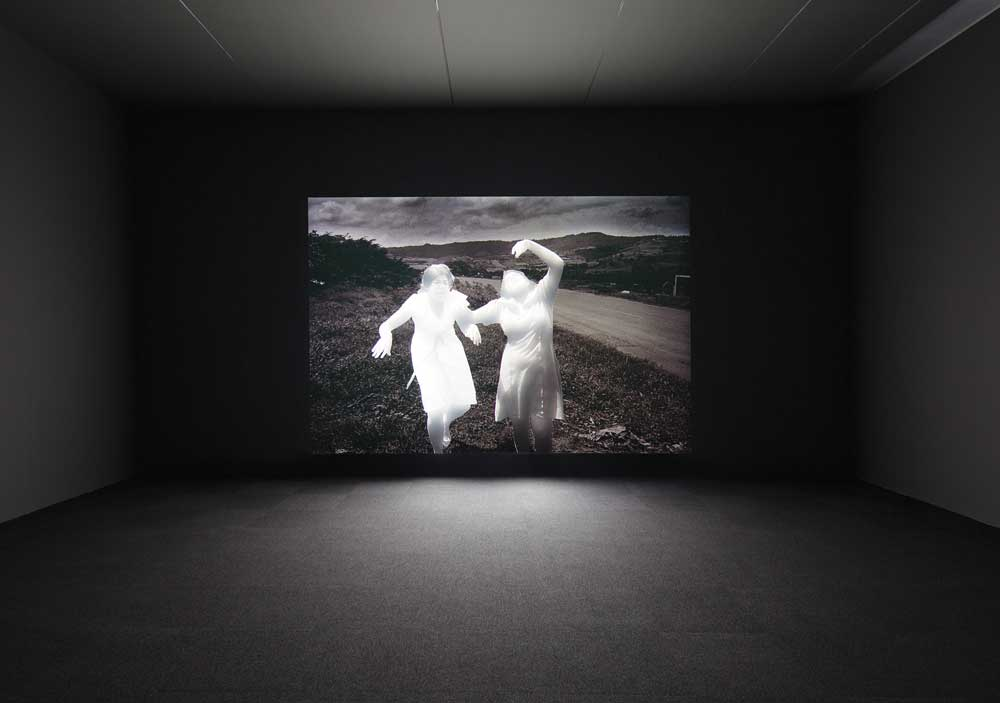 Alfredo Jaar, Shadows , 2014, mixed media installation, SCAD Museum of Art. Commissioned by the Savannah College of Art and Design with support from the Ford Foundation. Courtesy of Galerie Lelong, New York. Photo: John McKinnon. Courtesy of SCAD.