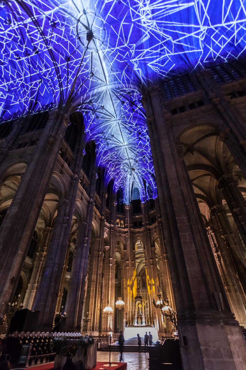 Miguel Chevalier, Voûtes Célestes, 2016. Nuit Blanche, Saint-Eustache Church, Paris (France). Softwares: Cyrille Henry and Antoine Villeret. Courtesy Galerie Lélia Mordoch, Paris and Miami.