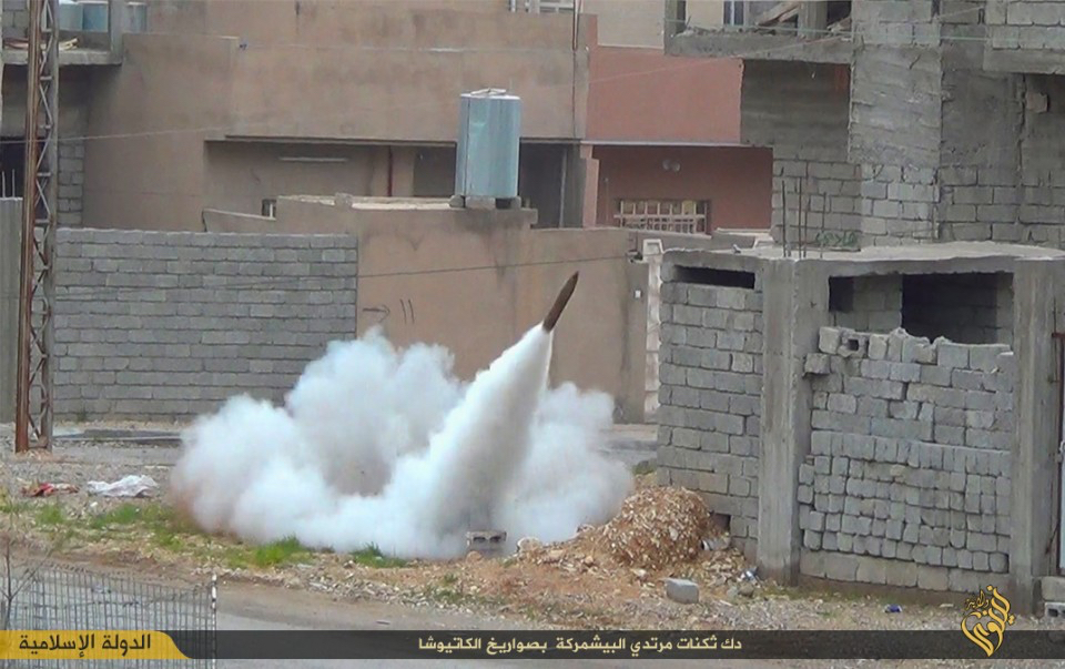 Rocket fired by ISIS targets Kurdish fighters, Mount Sinjar, Iraq, 2015, video.