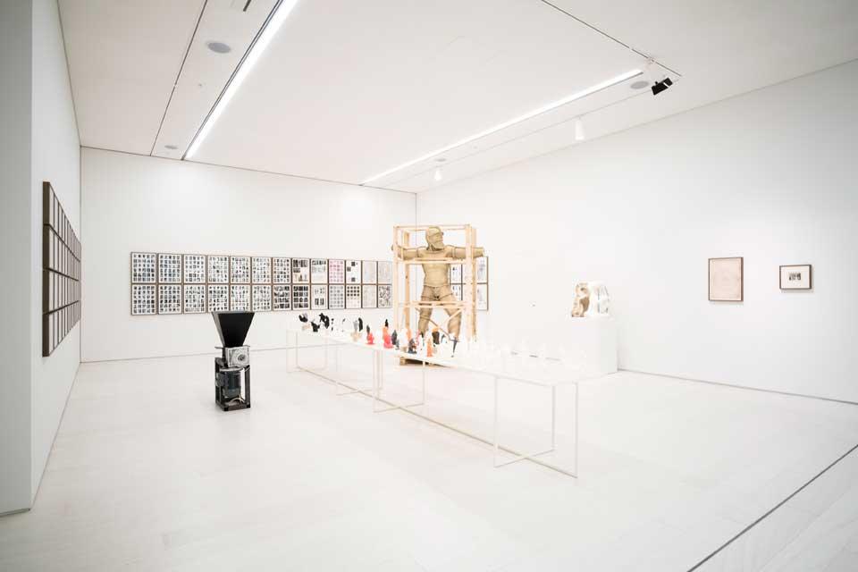 Daniel García Andújar, The Disasters of War, Metics Akademia, 2017, mixed-media installation, EMST—National Museum of Contemporary Art, Athens, documenta 14. Photo: Mathias Völzke.